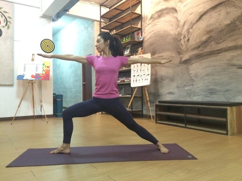 mae yoga3
